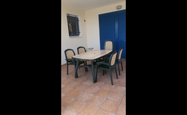 TABLE AND CHAIRS OUTSIDE