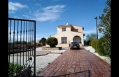 L3825, Three Bedroom Stone Villa in Kathikas Available for Long-term Rent