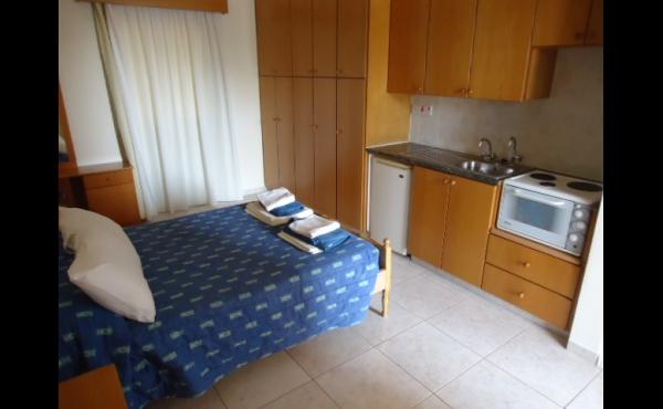 Bedroom 3 with kitchen